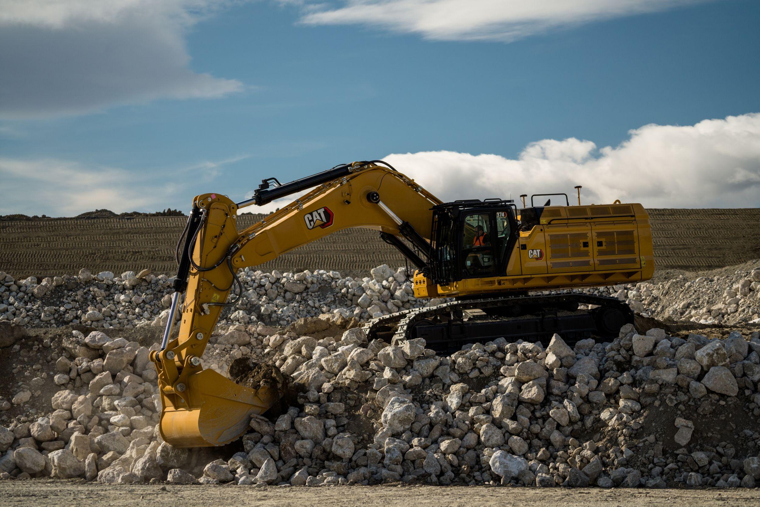 Next Generation Cat® 374 Excavator