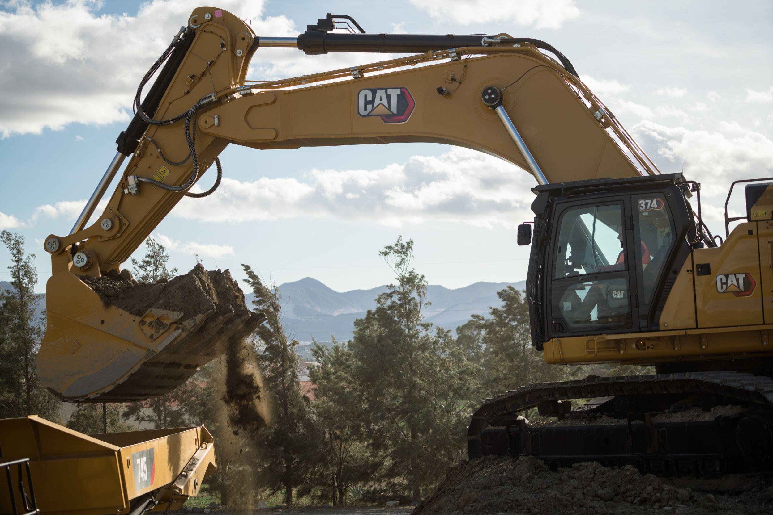 374 Hydraulic Excavator>