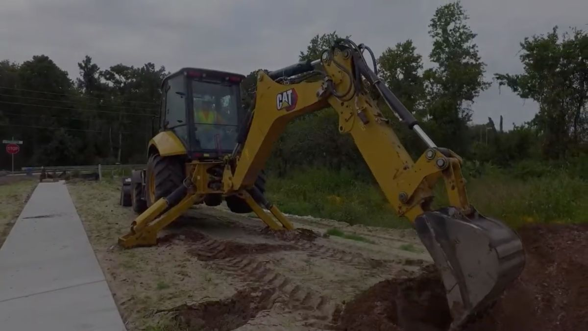 Introducing the customer-focused performance and features of the new Cat® Backhoe Loaders.