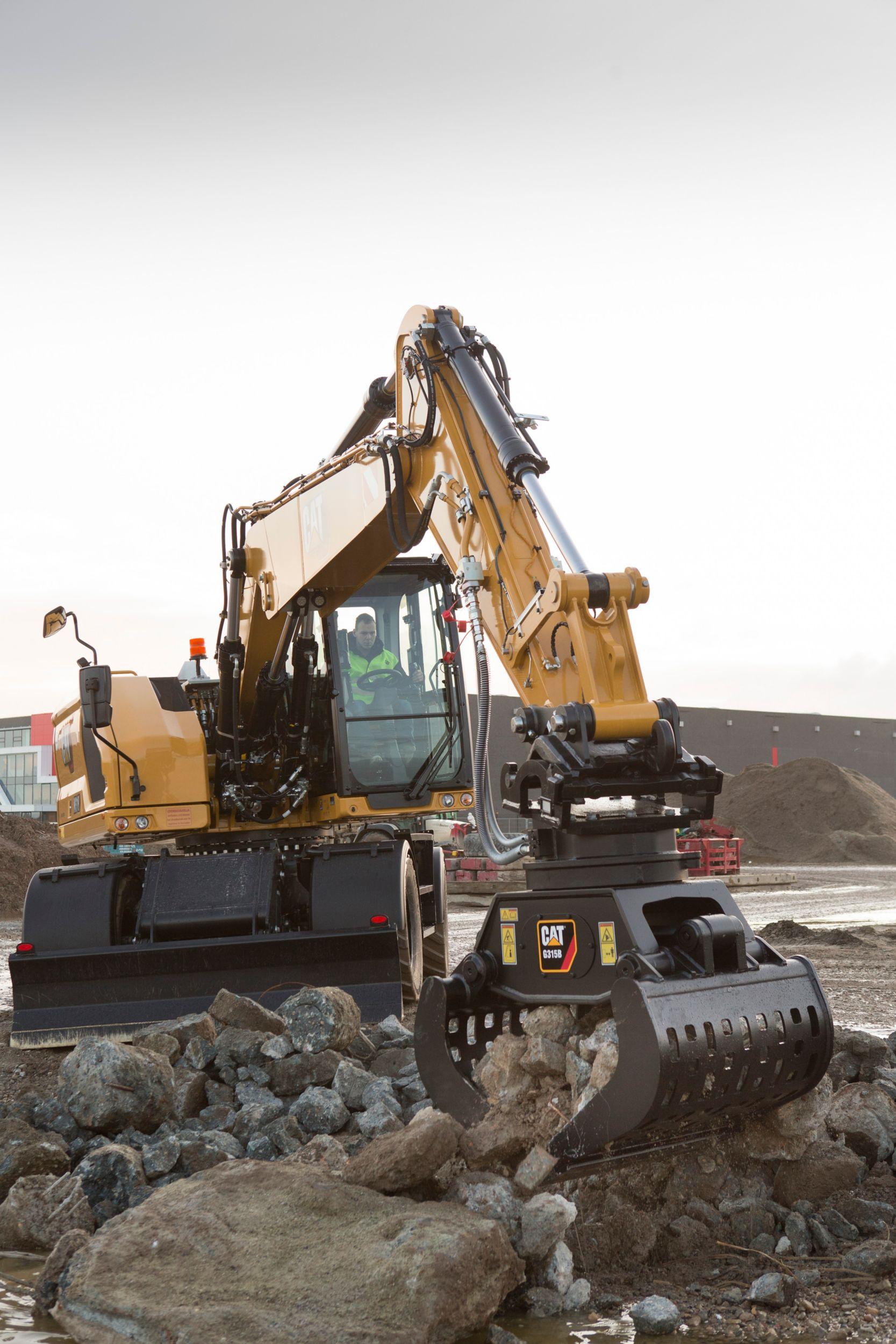M318 Wheeled Excavator