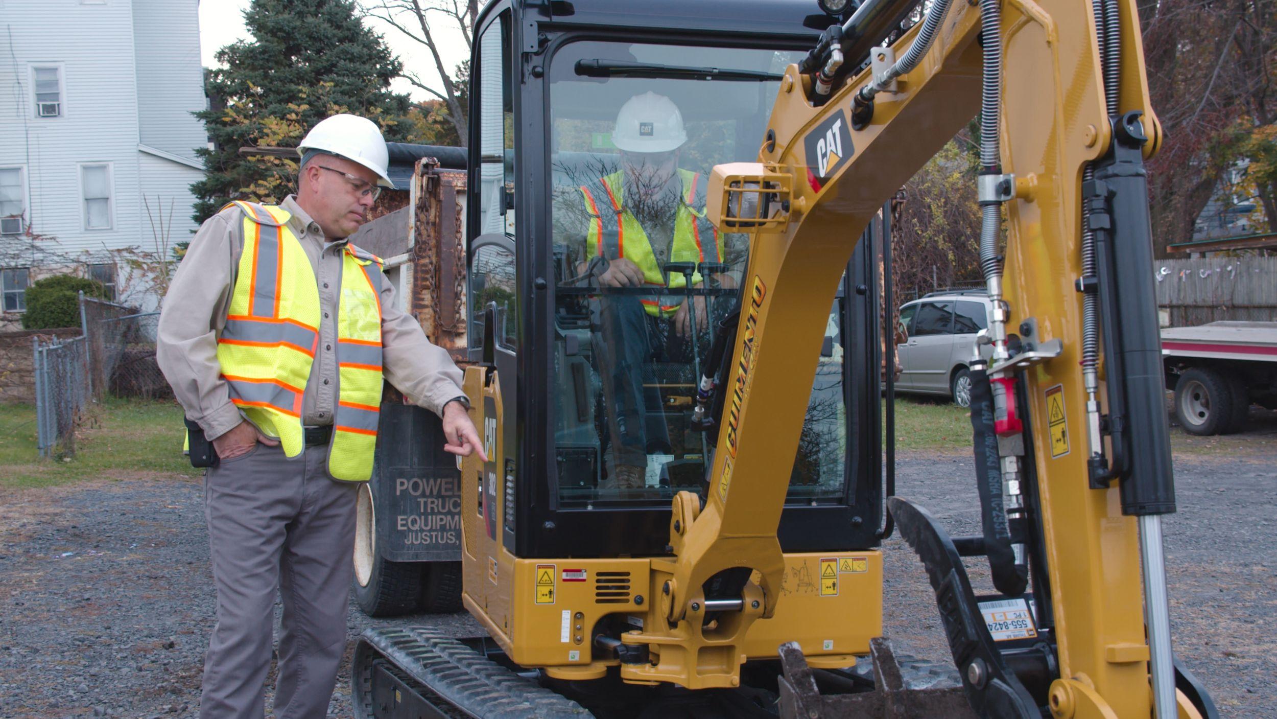 Cat® 302 Excavator