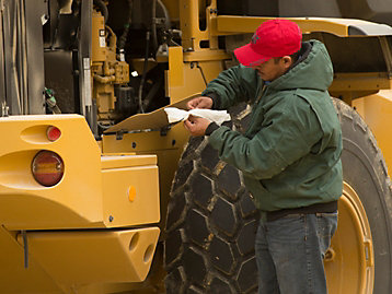 How Cat® Customer Value Agreements (CVA) Can Benefit Your Farming Operation