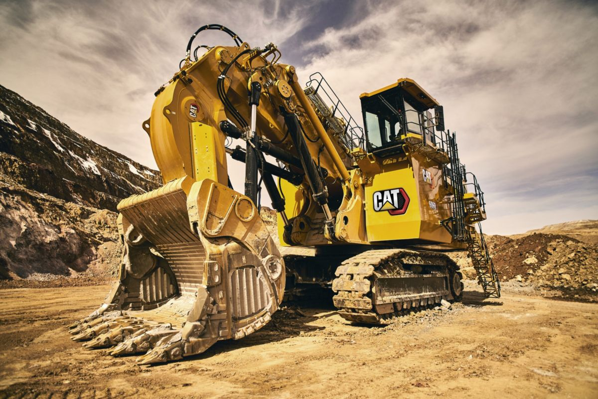 Cat next generation 6060 hydraulic shovel in pit