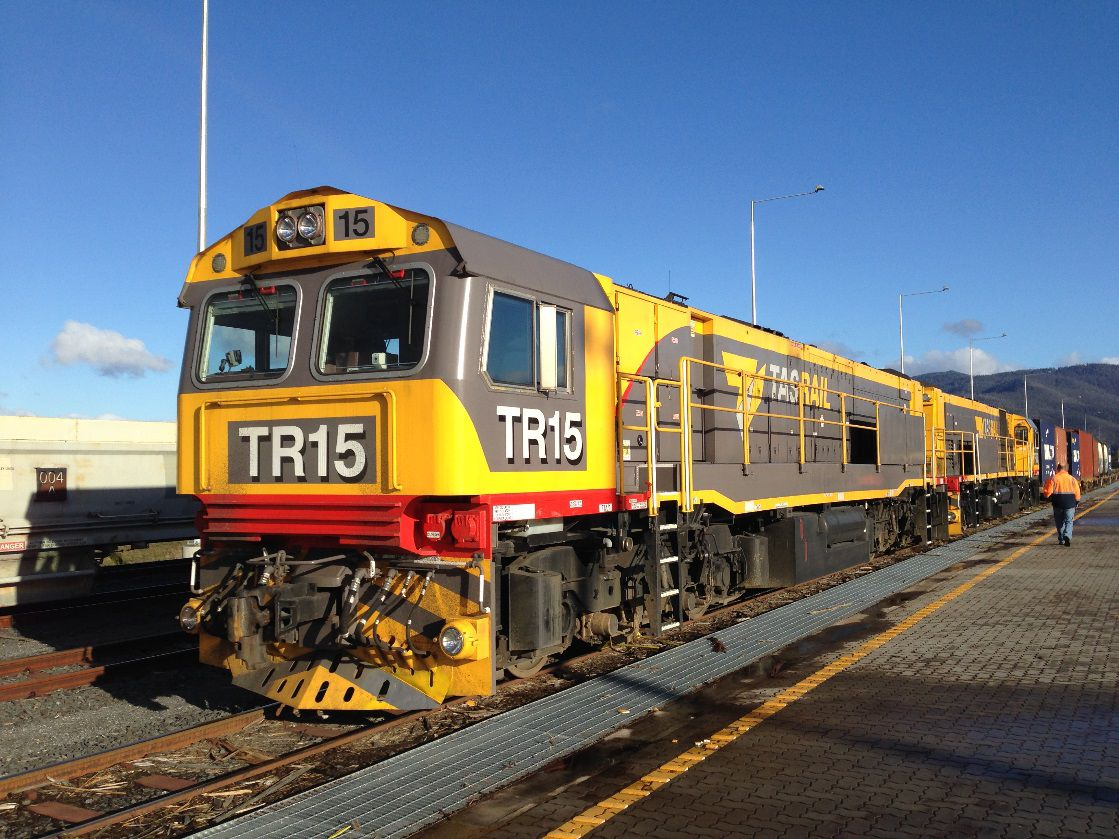 Tasrail locomotive with 3512C HD and traction alternator package