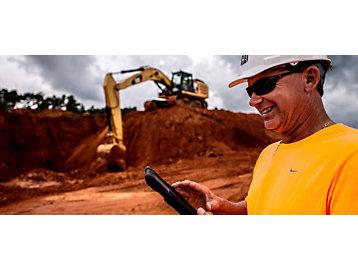Homem usando um Tablet