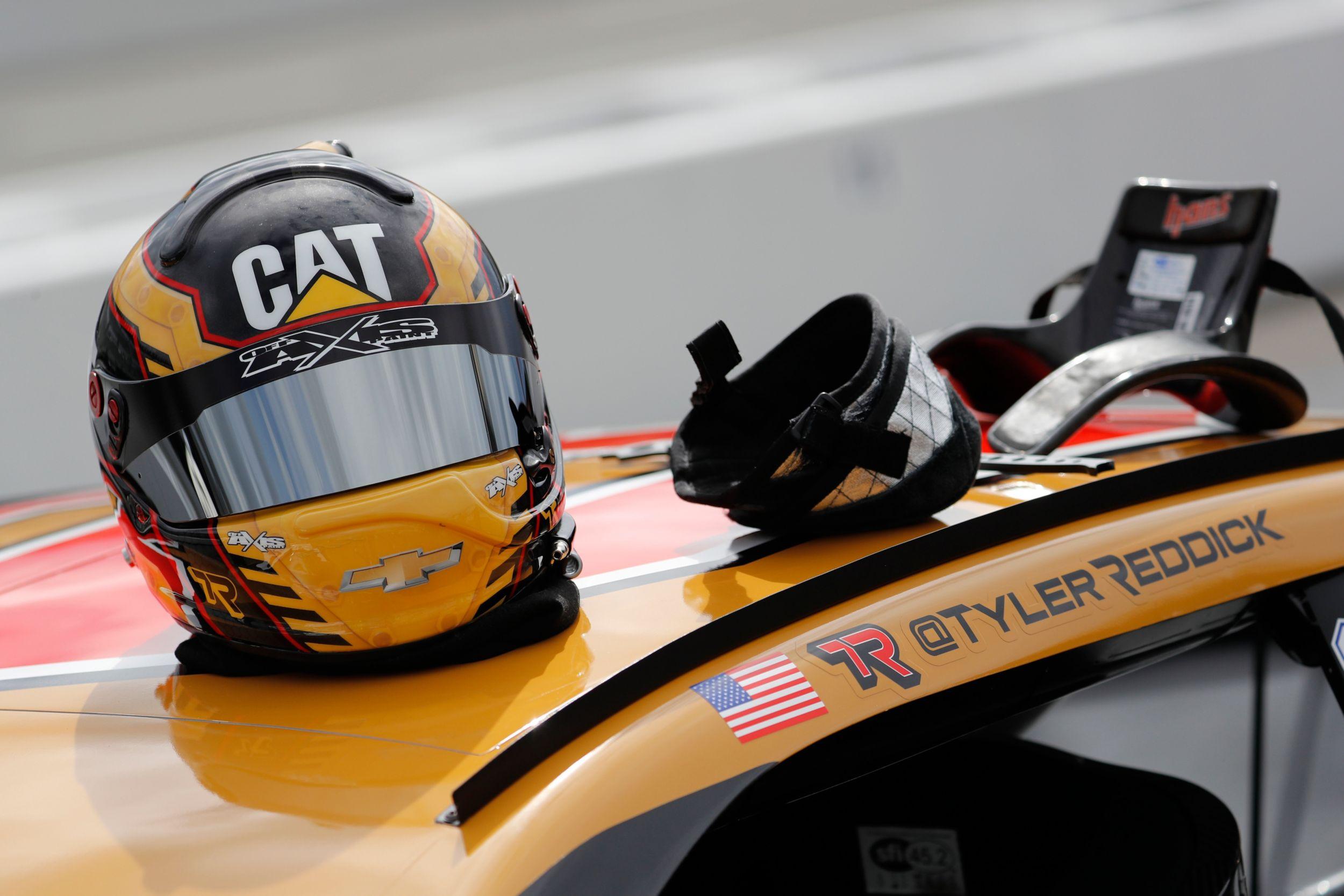 Cat Racing Gear