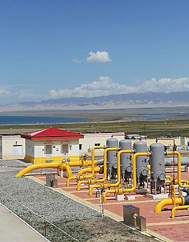 In addition, Caterpillar supported China's West-to-East Natural Gas Transmission Project to help transmit natural gas from western to eastern China.