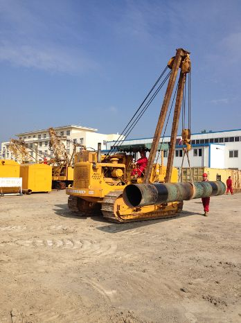 In 1975, Caterpillar made its first sale of 38 pipelayers to China.