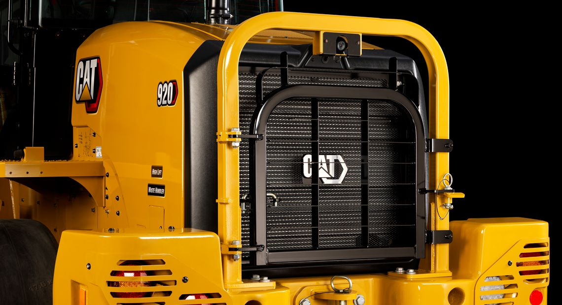 The Cat 914 & 920 Waste Handlers feature a comprehensive guarding package for superior protection.