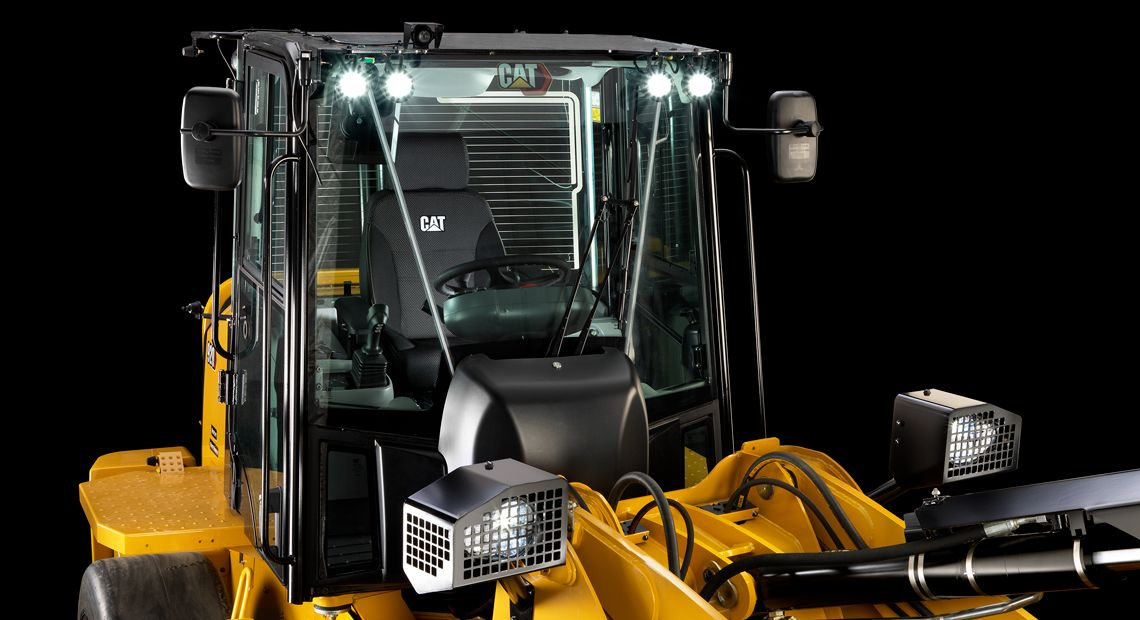 The Cat 914 & 920 Waste Handlers are designed with enhanced visibility features for ultimate safety.