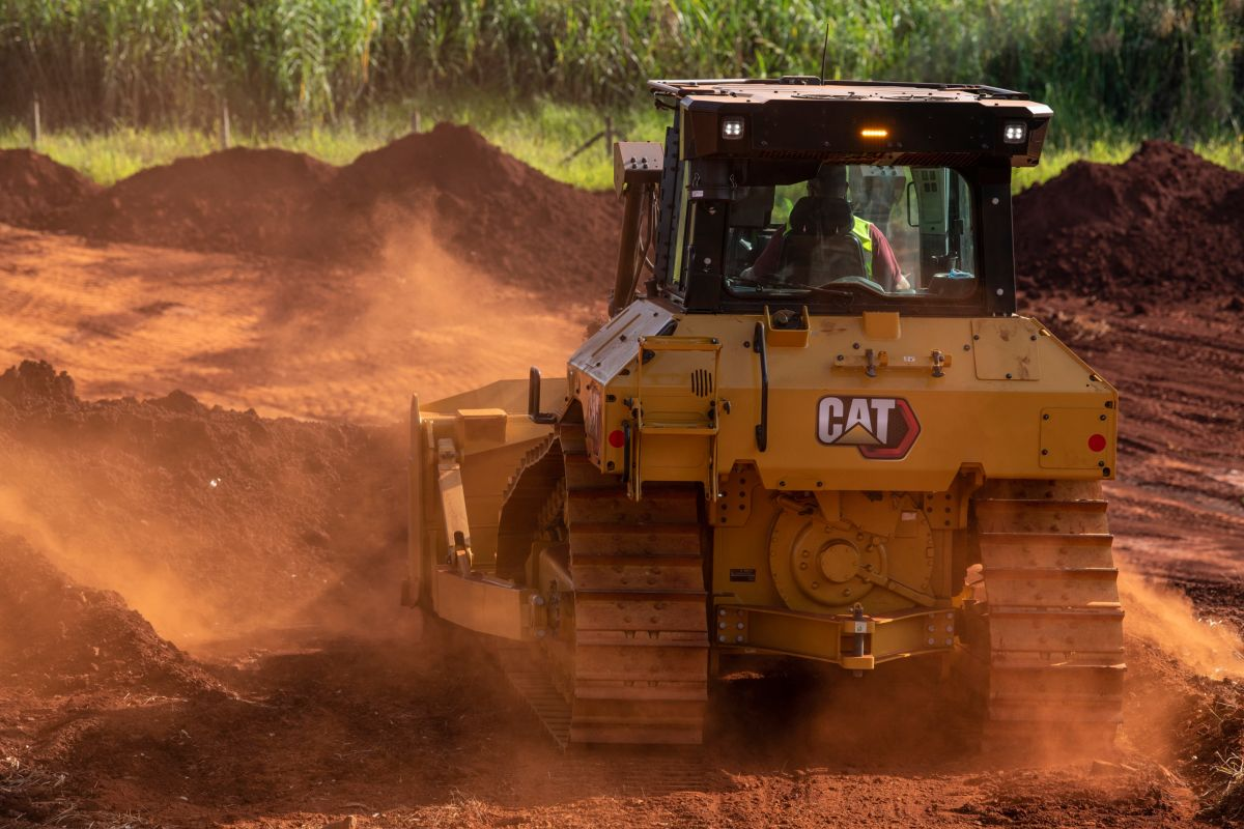 Novo Trator de Esteiras Cat D5 produzido no Brasil