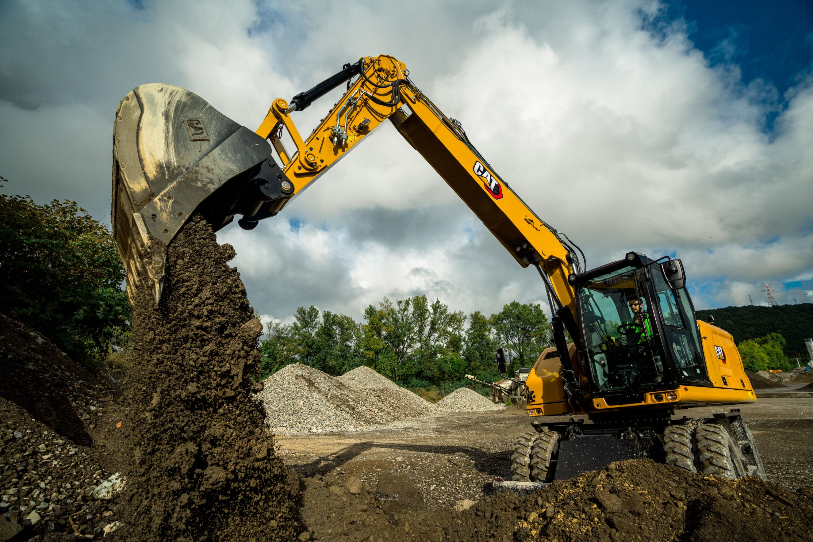 When to Buy a Tracked vs. Wheeled Excavator