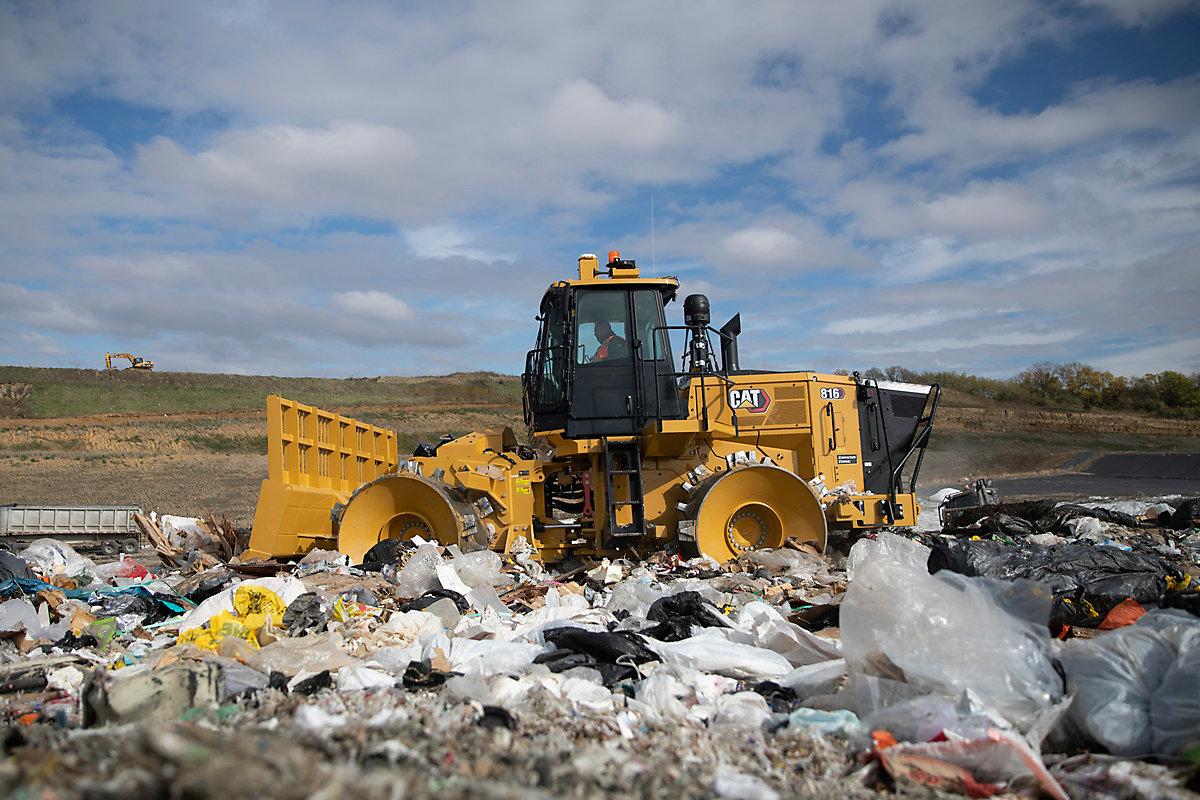 816 Landfill Compactor