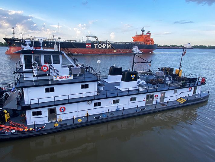 Cat® Marine repower adds horsepower, lowers emissions and reduces fuel consumption for towboat fleet