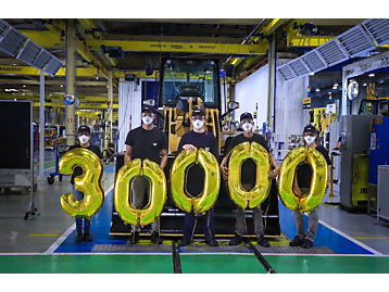 Máquina 30.000 sai da linha de montagem da Unidade Campo Largo