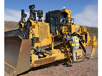 Track mine site personnel with Cat Connected Worker