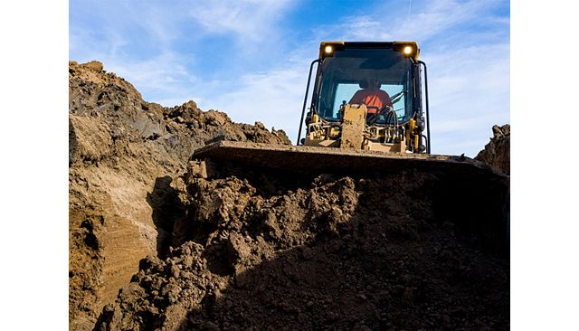 953 Track Loader is Easy to Operate