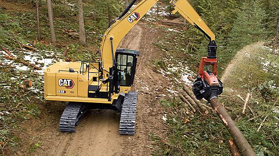 538 Excavator working shot