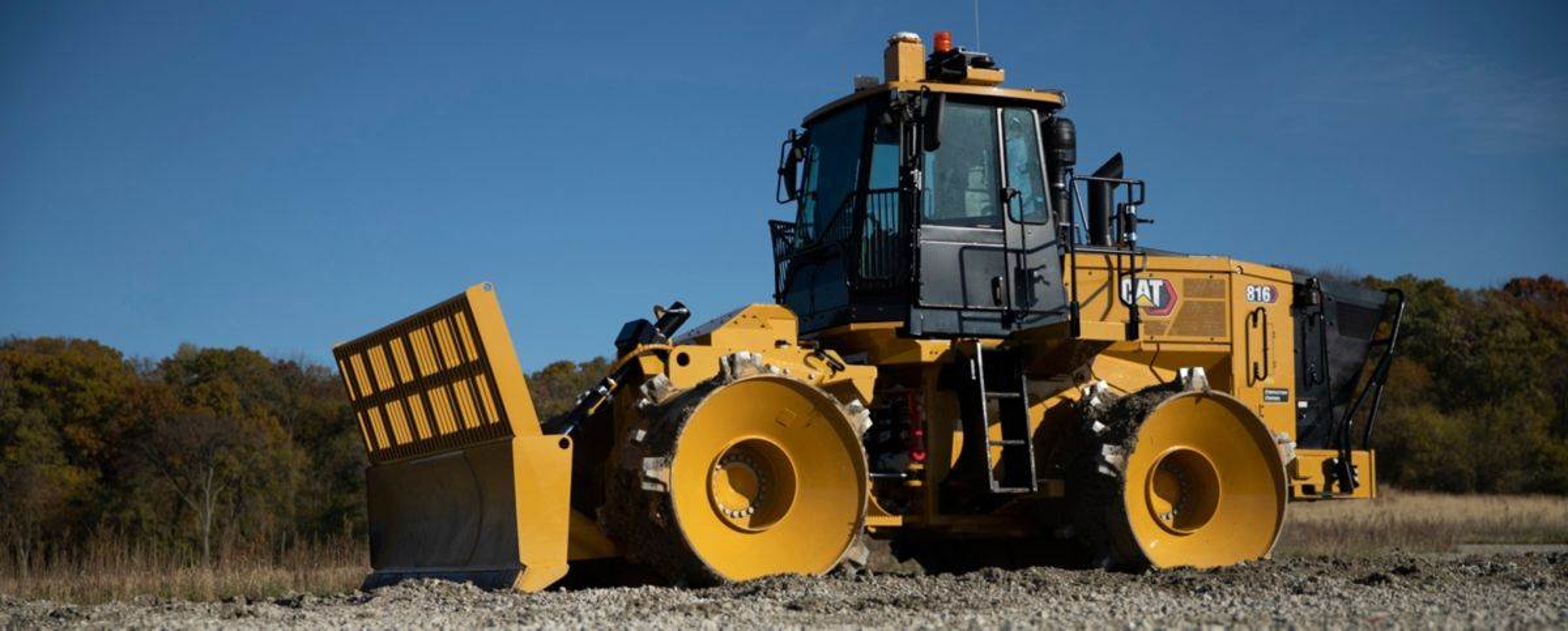 New Cat® 816 Landfill Compactor