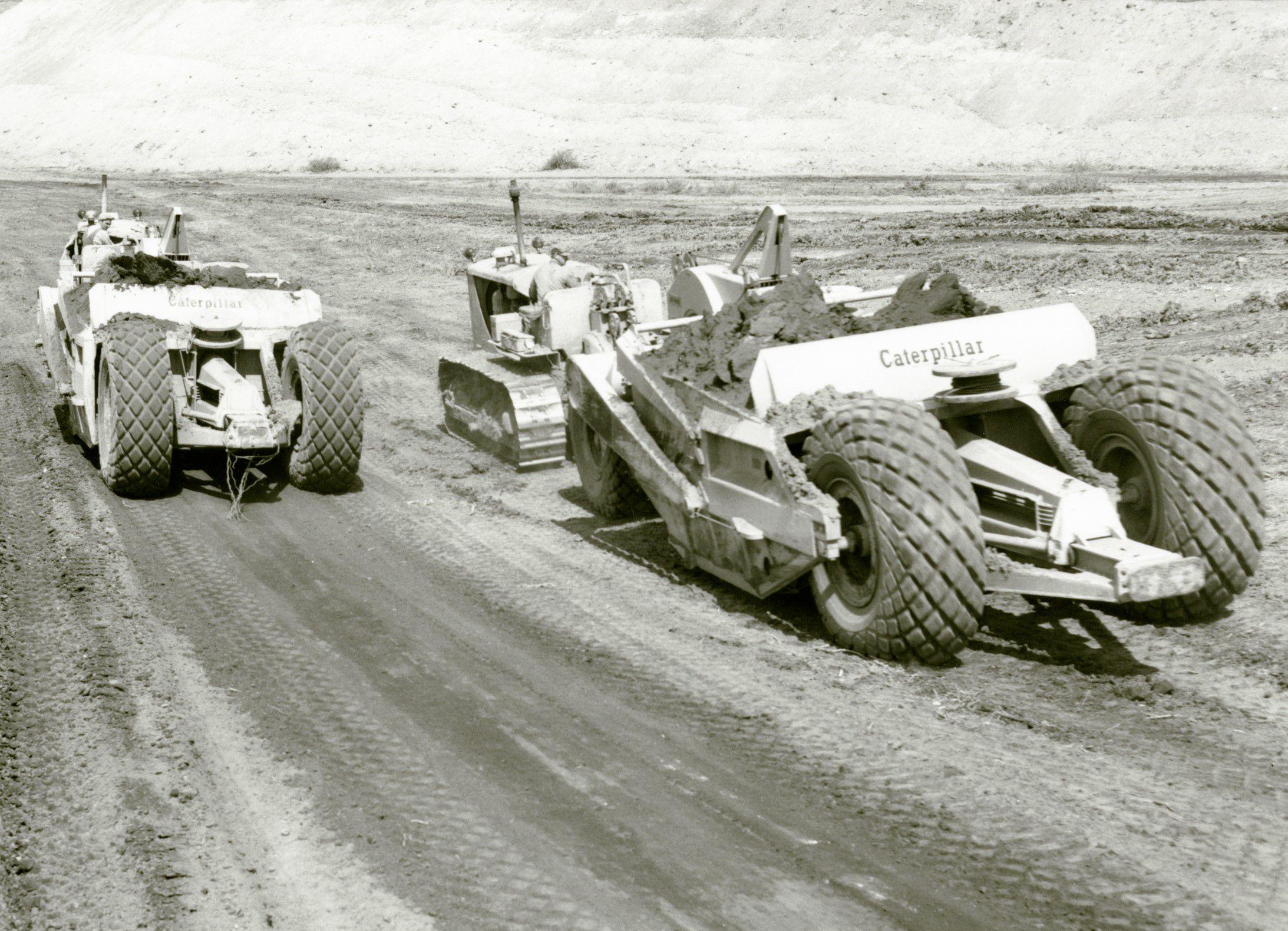 Cat D8 No80 Scraper 1956