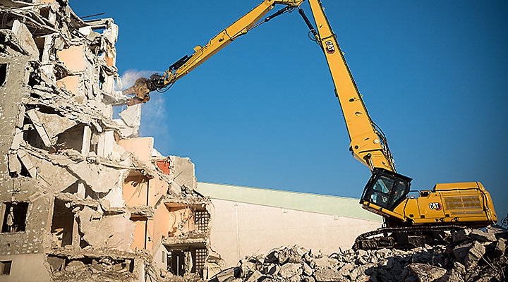 Dealer Leaves Lasting Impression on Demolition Company