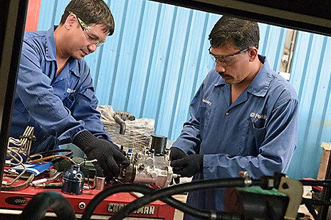 Distributor servicing engine