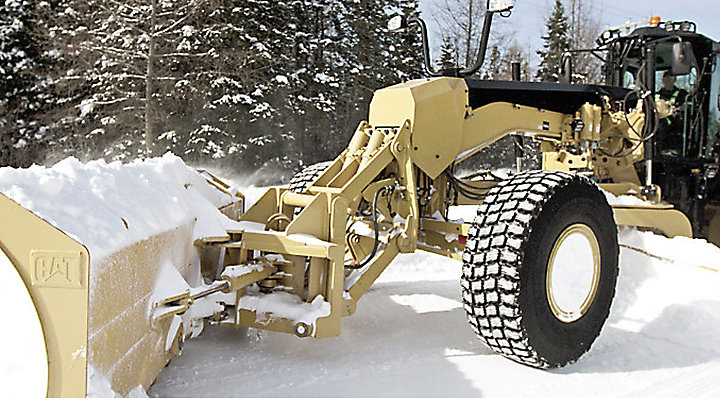 Winter Ready: Snow Removal Tools for Cat Motor Graders