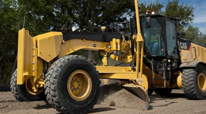 Road Maintenance Operators Give Cat Stable Blade Their Highest Grade