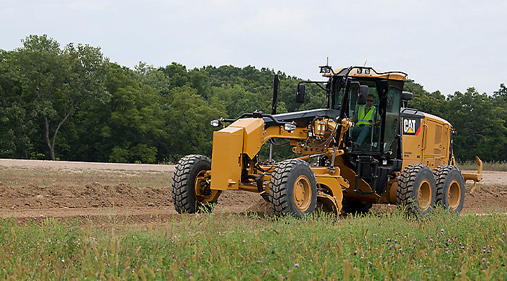 Cat Motor Graders Put Minnesota County Highways on the Road to Quality Maintenance