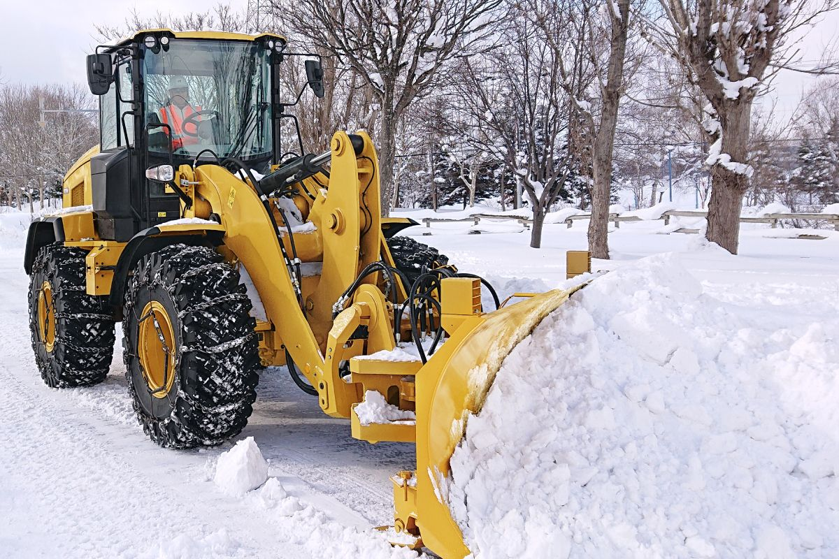 On The Level: Snow Removal Machine Rentals vs. Ownership