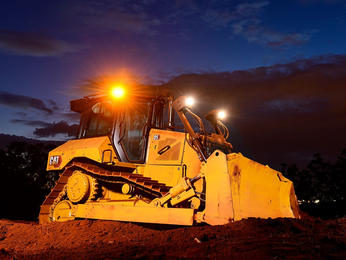 D5 Bulldozer gets to work early>