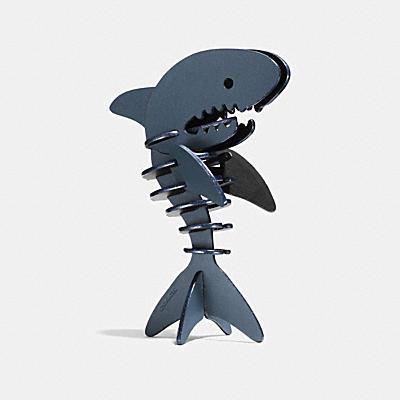 SHARKY PUZZLE
