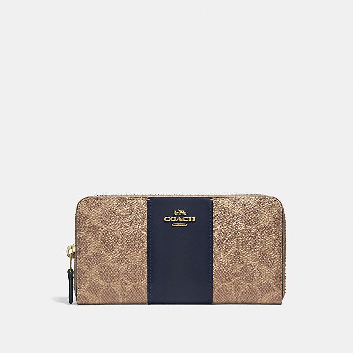 20代女性にぴったり「コーチ」の長財布