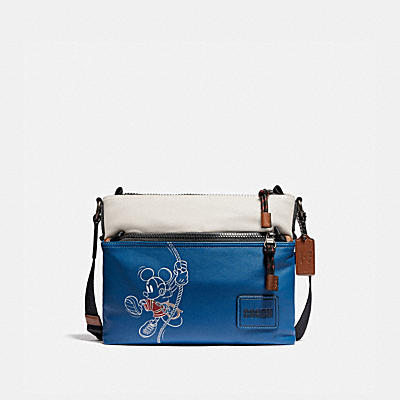 コーチ COACHのメッセンジャーバッグ |DISNEY X COACH ペイサー クロスボディ ウィズ ロープ クライム ミッキーマウス