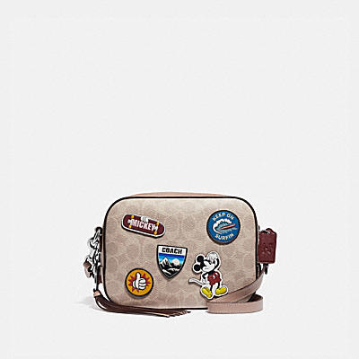 コーチ COACHのクロスボディ&斜め掛けバッグ |DISNEY X COACH カメラ バッグ シグネチャー キャンバス ウィズ スポーツ パッチ