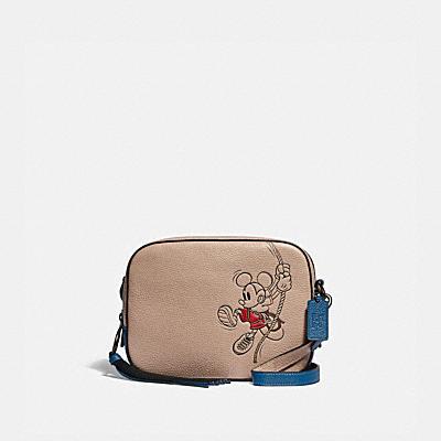 コーチ COACHの全てのレディースバッグ |DISNEY X COACH カメラ バッグ ウィズ ロープ クライム ミッキーマウス