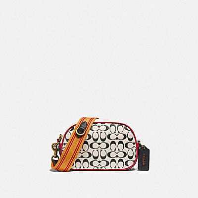 BADGE CAMERA CROSSBODY IN SIGNATURE LEATHER