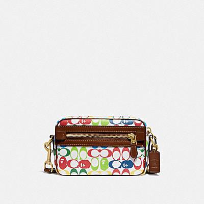 BAPE X COACH ACADEMY 經典 SIGNATURE 塗層帆布印花與 APE HEAD斜揹手袋