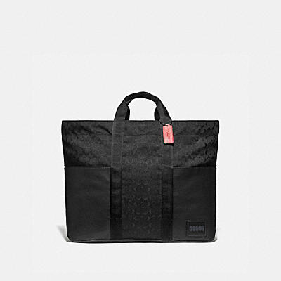 REVERSIBLE PACER TOTE IN SIGNATURE CORDURA® FABRIC WITH CAMOUFLAGE APPLE PRINT AND COACH PATCH