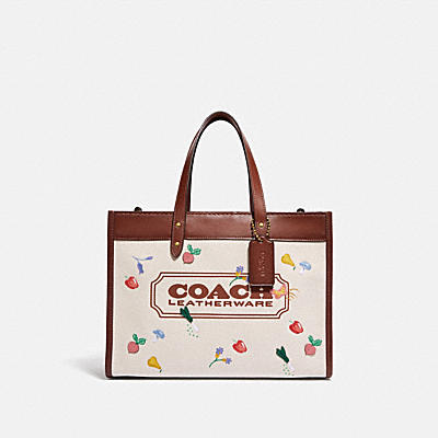 FIELD TOTE 30 WITH GARDEN EMBROIDERY COACH BADGE