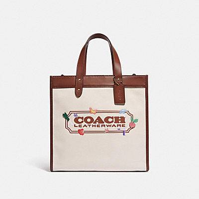 FIELD TOTE WITH GARDEN EMBROIDERY COACH BADGE