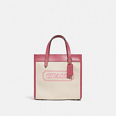 FIELD TOTE 22 WITH HEART COACH BADGE