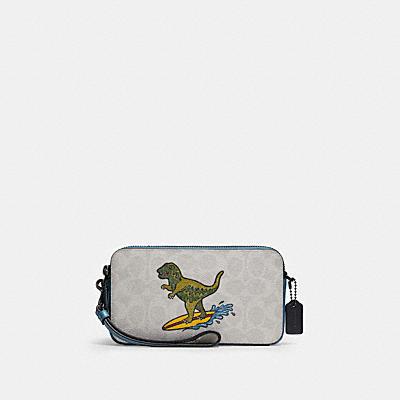 コーチ COACHのボディバッグ&斜めがけバッグ |【日本限定】レキシー プレイ キラ クロスボディ  シグネチャー キャンバス
