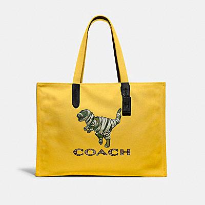 コーチ COACHの全てのメンズバッグ |【COACH X MICHAEL B. JORDAN】100 パーセント リサイクル トート 42 マミファイド レキシー