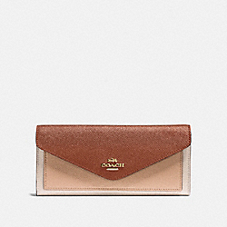 COACH 12122 - SOFT WALLET IN COLORBLOCK GOLD/1941 SADDLE MULTI