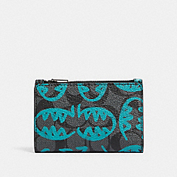 SLIM BIFOLD CARD WALLET IN SIGNATURE CANVAS WITH REXY BY GUANG YU - 1256 - QB/CHARCOAL BLUE GREEN