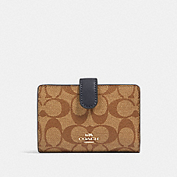 COACH 23553 - MEDIUM CORNER ZIP WALLET IN SIGNATURE CANVAS IM/KHAKI MIDNIGHT