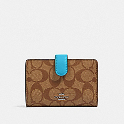 COACH 23553 Medium Corner Zip Wallet In Signature Canvas SV/KHAKI/AQUA