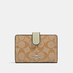 COACH 23553 Medium Corner Zip Wallet In Signature Canvas SV/LIGHT KHAKI/PALE GREEN