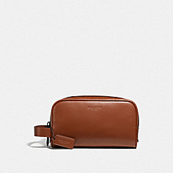 COACH 2522 - SMALL TRAVEL KIT QB/REDWOOD